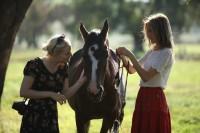 Изабель со своей лошадью Кики