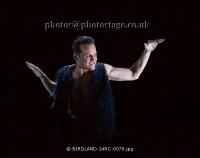 Эндрю Скотт. Фото и стилы со спектакля Birdland