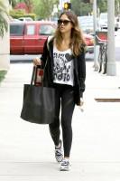 Джессика Альба направляется в тренажёрный зал в Лос-Анджелесе