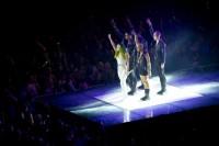 Леди Гага выступает на «Jingle Bell Ball» в Лондоне.