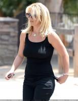 Бритни Спирс. 22 июля - Бритни и Дэвид пообедали в таверне Napa в Уэстлэйк Вилладж