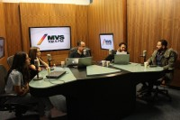 Сурия, Хосе и Она на радиостанции MVS 102.5 FM.