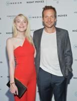 Дакота Фаннинг. в Нью-Йорке состоялась премьера фильма «Ночные движения». Дакота порадовала всех своим присудствием на мероприятии.