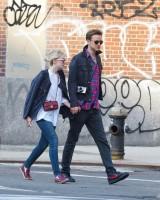 И снова вездесущим папарацци удалось сфотографировать Дакоту и Джейми на улицах Нью-Йорка