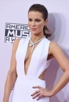 Кейт Бекинсейл. Торжественное вручение премии «American Music Awards»