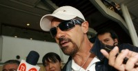 Марио Касас. Марио Касас и Антонио Бандерас прибыли в аэропорт Чили