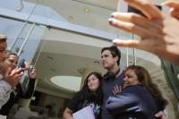 Марио Касас. Марио Касас говорит со своими чилийскими фанатами