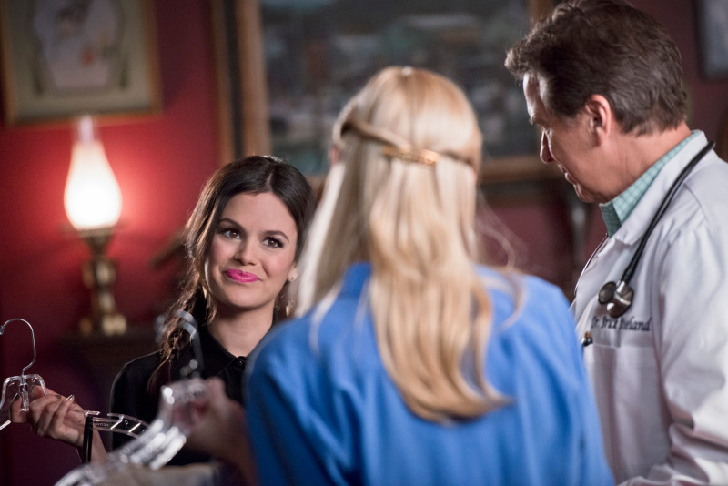 Рэйчел Билсон. Hart of Dixie 3x18 ''Back In The Saddle Again'' - Stills