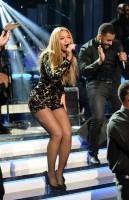 Бейонсе Ноулз. Бейонсе выступила на мероприятии «Stevie Wonder: All-Star Grammy Salute», которое прошло в Лос Анджелесе.