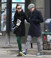 Оливия и Джейсон во время прогулки по улицам Нью-Йорка.