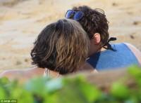 Кристен со своей девушкой на отдыхе