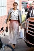 Джессика Альба направляется на встречу в Лос-Анджелесе