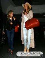 Роузи Хантингтон-Уайтли. Роузи прибывает в LAX (ч. 2)