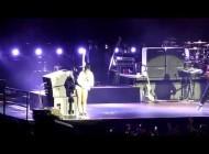 Рианна. ВИДЕО С КОНЦЕРТОВ РИАННЫ В МАКАО. Rihanna - Umbrella (Macau)