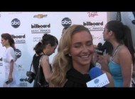 Hayden Panettiere Admits Stage Fright; Talks Country Music on BBMA Blue Carpet