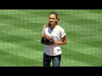 Jessica Alba Throws First Pitch at Dodger Game 8-17-14