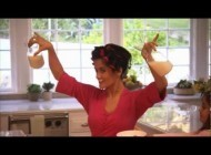 For Salma Hayek, Milk's Protein Makes Perfect -- Every Morning
