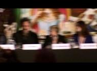 """Хелена Бонэм Картер. 2 новых видеозаписи с пресс-конференции """"Алисы в стране чудес"""" в Лондоне. INTERVIEW: Anne Hathaway on the weird costumes Crispin Gl..."""