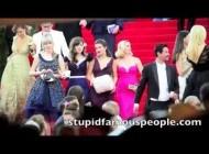 Зоуи Дешанель. Met Gala - Нью-Йорк, 5 Мая, 2014. Selena Gomez, Reese Witherspoon & Zooey Deschanel TOGETHER at Met Gala in NY!