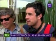Segundo día de filmación de Los 33: Mario Casas conversó con sus fans